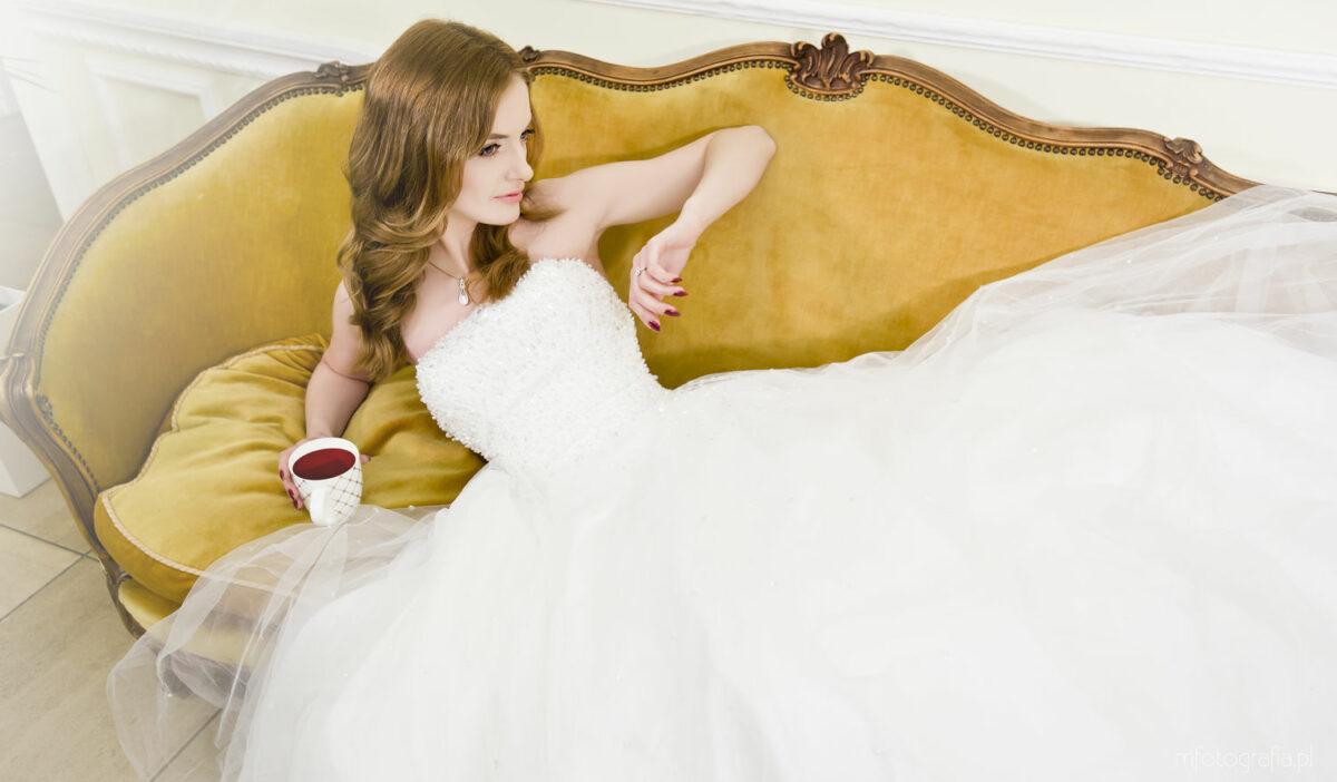 Przygotowania doślubu oraz sesja poślubna wPałacu wKobylinie – AnnaiŁukasz