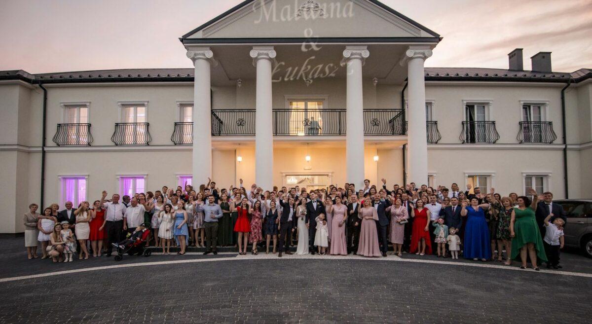 Reportaż ślubny w Grójcu i wesele w Dworku u Joanny w Goszczynie – Malwina i Łukasz