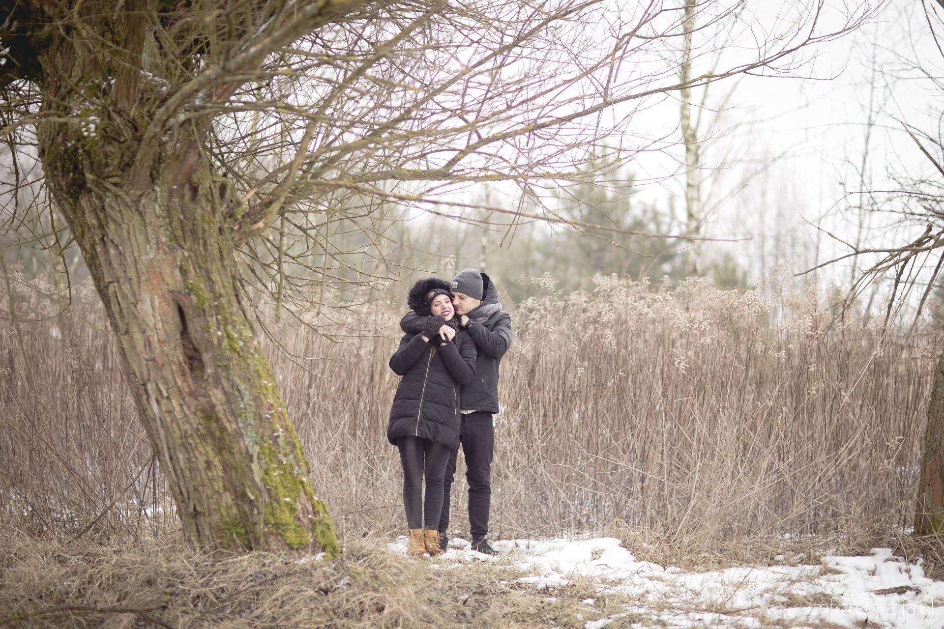 sesja zakochanych zimą
