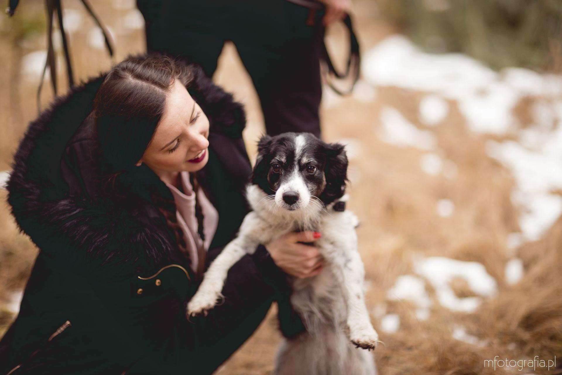 sesja zakochanych z psem