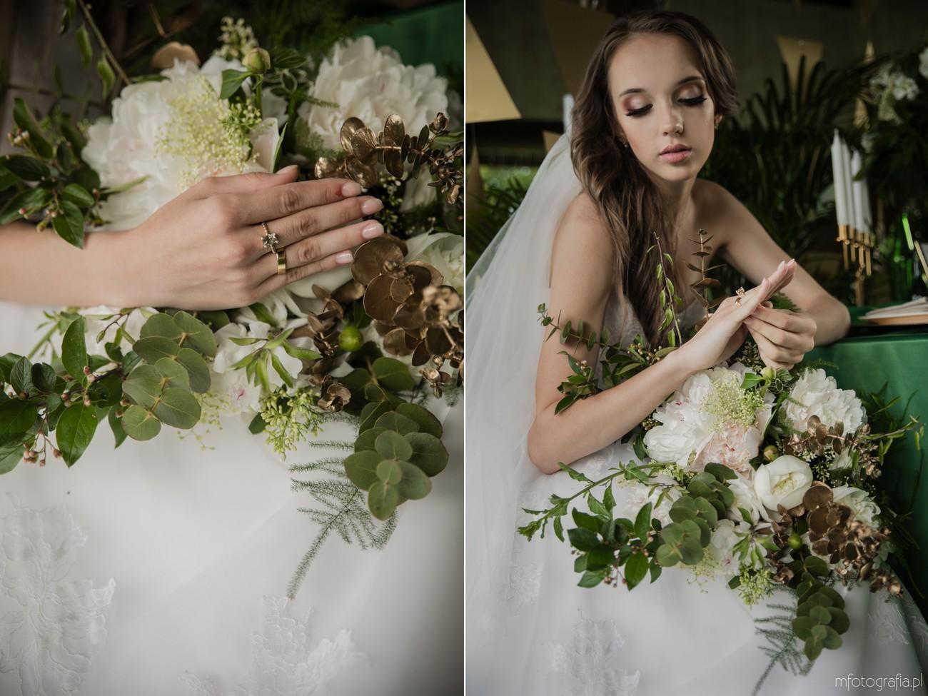 panna młoda z zielonymi dodatkami na ślubie