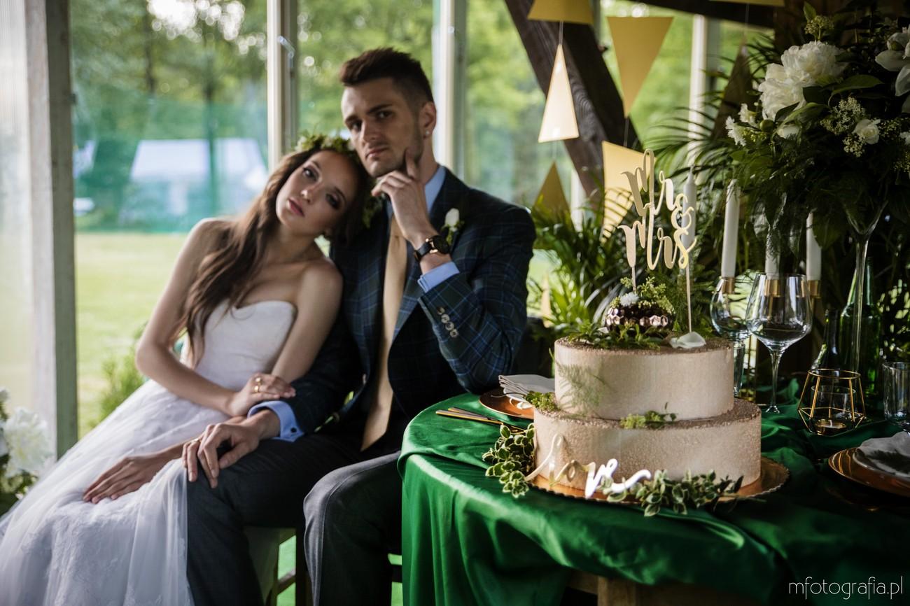 zielone dodatki na ślubie