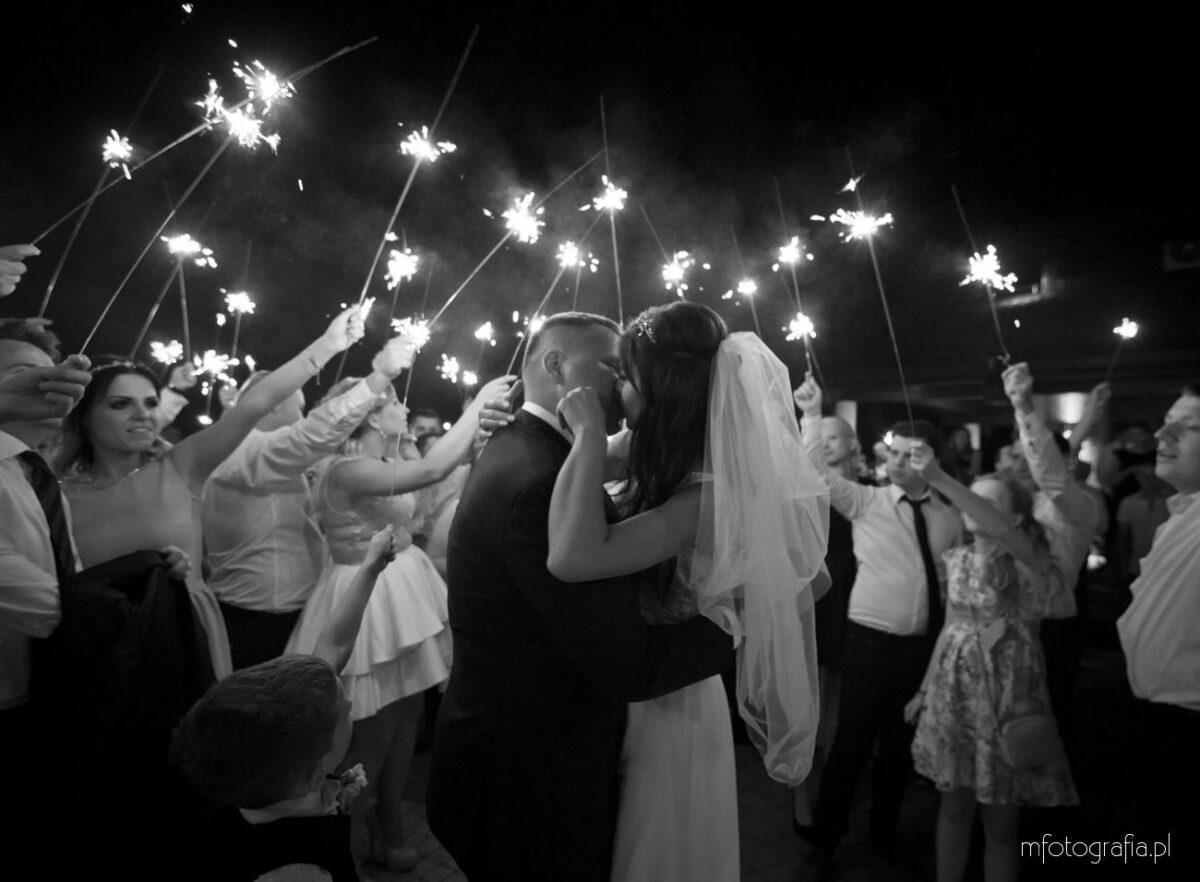 Reportaż ze ślubu i wesela w Węgrowie – Kasia i Adam