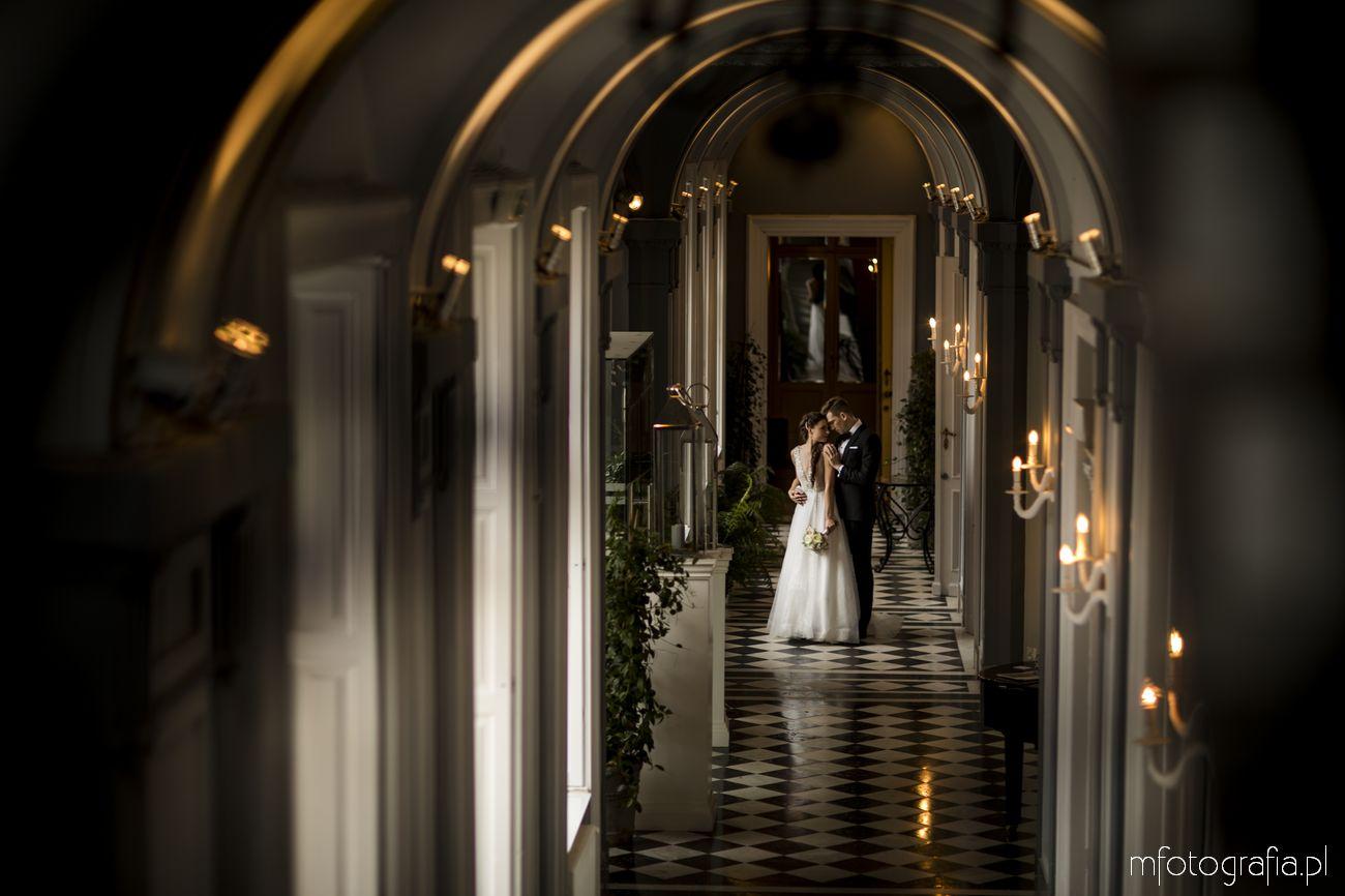 Sesja ślubna w pałacowych wnętrzach Endorfina Foksal