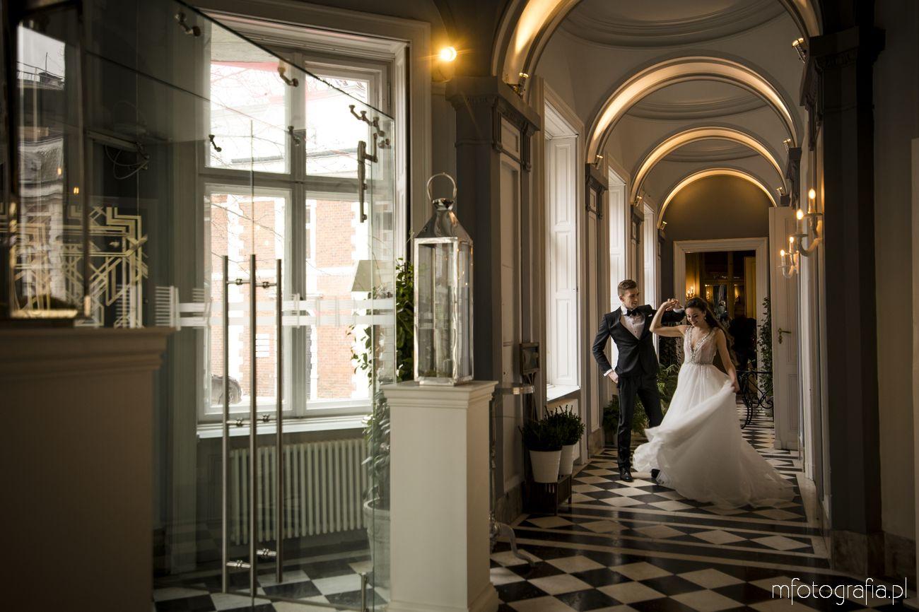 Sesja realizowana we wnętrzach pałacu Zamoyskich